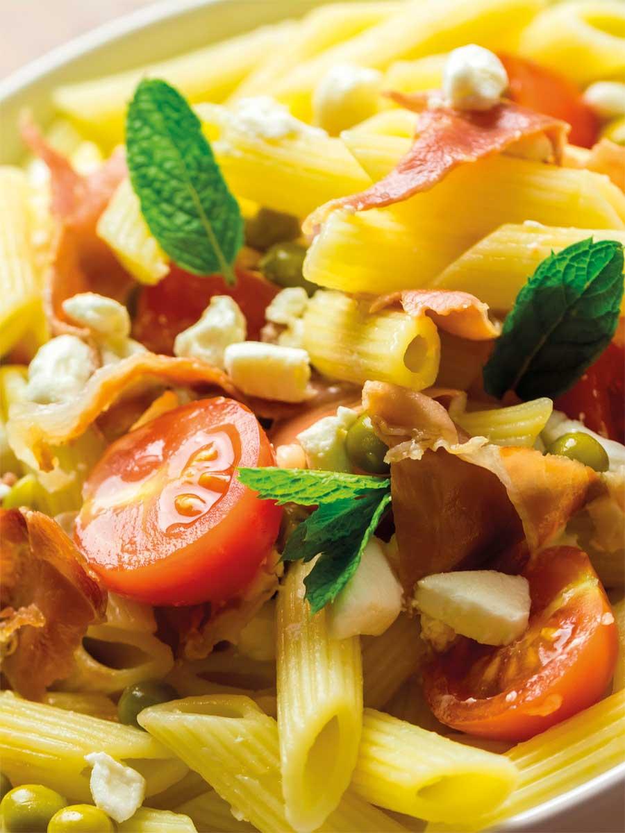 Kρύα σαλάτα με πένες