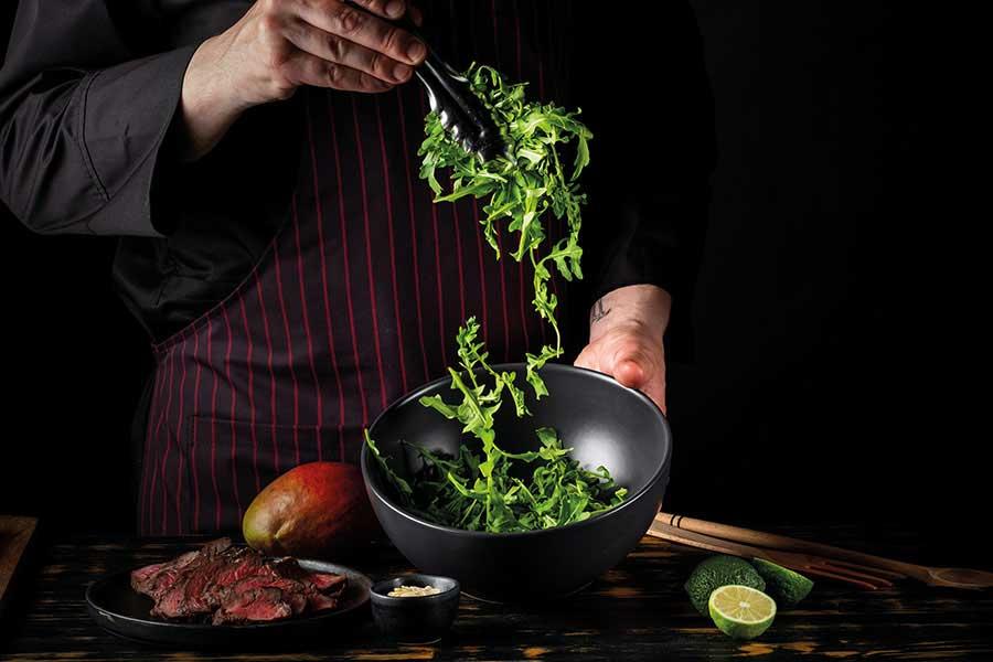 Σαλάτα ρόκας με ψητά λαχανικά